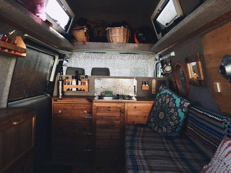 Voyage en van aménagé The-Rolling-Home